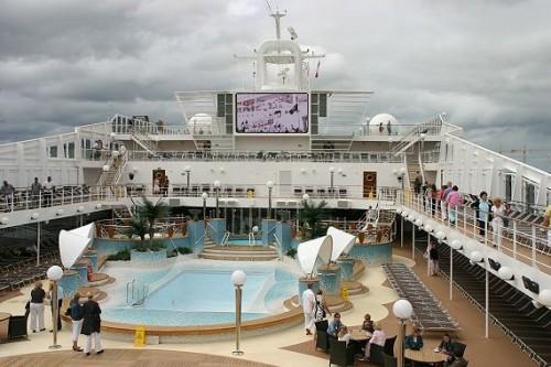 MSC_Musica_pool_deck_2